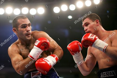 Argentina's Victor Emilio Ramirez (l) Fights with Russian's Alexander Alekseev (r) During the Wbo Interims Cruiserweight World Championship in Duesseldorf Western Germany on 17 January 2009 Ramirez Won the Fight in the 10th Round with Technical Knock out Germany Duesseldorf