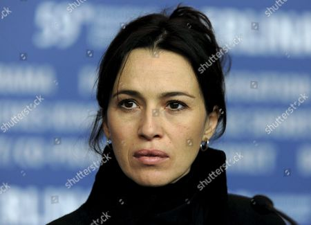 Spanish Actress Ariadna Gil Pictured at the Press Conference on Her Film 'Just Walking' by Spanish Director Agustin Diaz Yanes at the 59th Berlin International Film Festival in Berlin Germany 07 February 2009 the Film Runs in the Panorama Special Section a Total of 18 Films Compete For the Silver and Golden Bears of the 59th Berlinale Germany Berlin