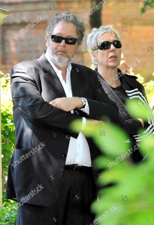Director Doris Doerrie (r) and Producer Martin Moszkowicz Arrive For the Funeral of Actress Barbara Rudnik in Munich Germany 29 May 2009 Rudnik Passed Away Aged 50 on 23 May 2009 After a Long Struggle Against Cancer Germany Munich