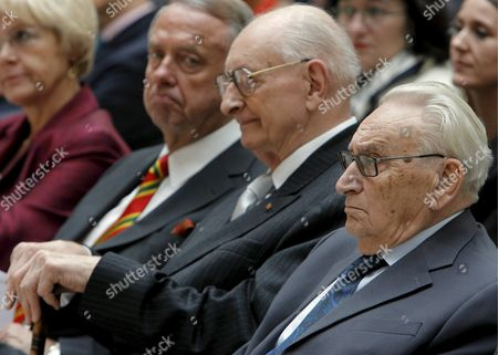 Recipients of the 'Deutsche Gesellschaft' (lit : German Society) Prize For German and European Rapprochement Former Foreign Minister of Poland Wladyslaw Bartoszewski (c) and Former High Ranking German Politician Egon Bahr (r) Sit Next to Minister of Culture Bernd Neumann During the Award Ceremony in Berlin Germany 12 November 2008 Germany Berlin