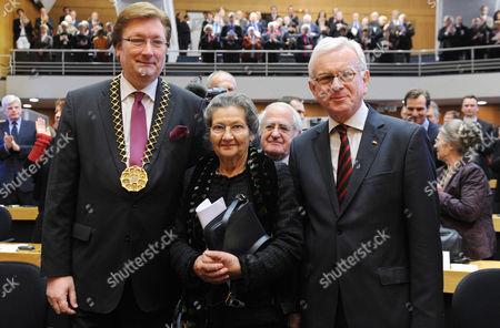 French Politician Simone Veil (c) Poses For a Photograph with Her Husband Antoine (r) and Dirk Elbers First Mayor of Duesseldorf After Being Awarded with the Heinrich Heine Prize in Duesseldorf Germany 13 December 2010 Veil Received the Prize That Carries a Value of 50 000 Euro and Ranks Among the Most Highly-esteemed Literary Prizes Germany Duesseldorf