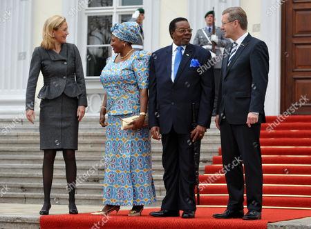 German President Christian Wulff (r) and His Wife Bettina (l) Receive Malawian President Bingu Wa Mutharika (2-r) and His Wife Callista Mutharika (2-l) at the Bellevue Palace in Berlin Germany 02 September 2010 Germany Berlin