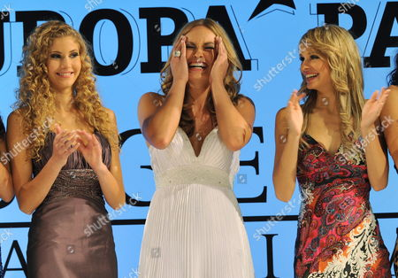 Anne Julia Hagen (c) From Berlin Reacts at Winning the Miss Germany 2010 Contest As Miss Internet Jennifer Schermann (l) and Miss Hamburg Annelie Alpert (r) Look on at the European Park in Rust Germany 13 February 2010 the 19 Year-old Student From Berlin Won Against 21 Other Competitors From All Over Germany in the Miss Germany 2010 Beauty Contest Germany Rust