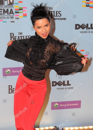Israeli Singer Ninet Tayeb Arrives For the Mtv Europe Music Awards 2009 in Berlin Germany 05 November 2009 Mtv Chose the City of Berlin As 2009 Marks the 20th Anniversary of the Fall of the Berlin Wall Germany Berlin