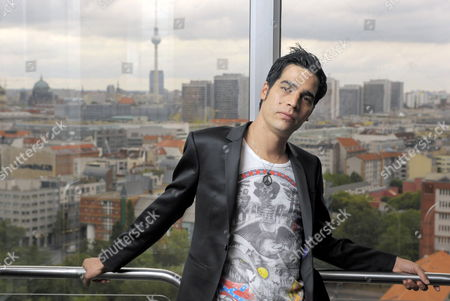 Israeli Singer Aviv Geffen Poses After a Press Conference in Berlin Germany 12 August 2009 Geffen Presented His New Record That Will Be Released on 28 August Germany Berlin