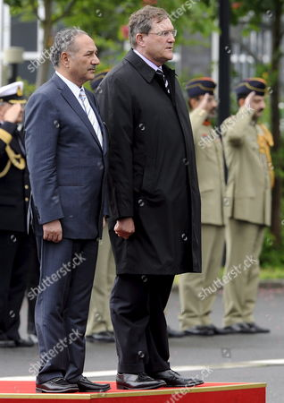 German Defence Minister Franz Josef Jung (r) Greets His Pakistani Counterpart Chaudry Ahmad Mukhtar (l) with Military Honours For Talks in Berlin Germany 06 May 2009 Germany Berlin