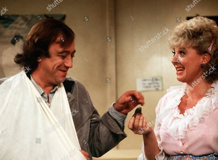 'West End Tales'  TV - 1981 - Robin Nedwell and  Toni Palmer