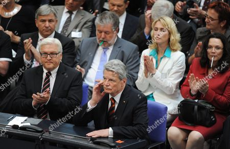 The Federal Convention Applauds Candidate Joachim Gauck (c) After the Result of the Second Voting Round Has Been Announced in Berlin Germany 30 June 2010 Next to Gauck Sits Chairman of the Parliamentary Fraction of the Social Democratic Party (spd) Frank-walter Steinmeier (l) in the Back Row Are Klausáwowereit (l-r) Kurt Beck Manuela Schwesig and Andrea Nahles of Spd Germanys Federal Assembly in Berlin Failed to Elect a New President in Two Successive Ballots Forcing a Third Ballot to Choose a Successor to Horst Koehler who Resigned May 31 the Result was a Blow to Chancellor Angela Merkel the German President is Elected by the Federal Convention Germany Berlin