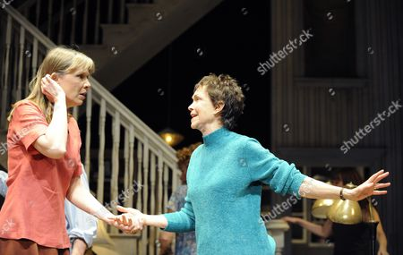 Amy Morton (Barbara) and Deanna Dunagan (Violet)