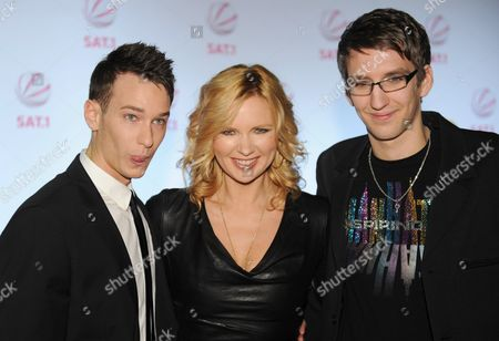 Marco Weiss (r) who was Jailed in Turkey During the Summer of 2007 For Sexual Abuse Poses with the Actor That Plays Him Vladimir Burlakov (l) and the Actress That Plays His Mother Veronica Ferres (c) at the Premiere of the Sat 1 Television Film 'Marco W - 247 Tage Im Tuerkischen Gefaengnis' (marco W - 247 Days in a Turkish Prison) the Film That Tells Story of Marco Will Be Broadcasted on 22 March 2011 Germany Munich