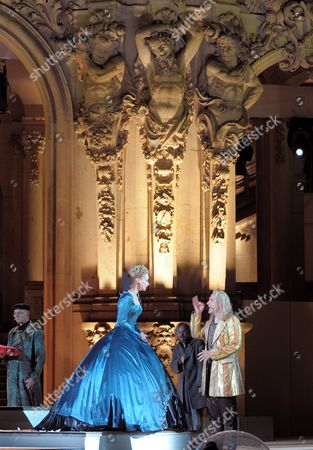 A Picture Made Available on 03 August 2011 Shows German Actors Teresa Weissbach (l) As Countess Cosel and Goetz Schubert As August the Strong Performing During the Rehearsal of the Play 'Die Maetresse Des Koenigs' ('the King's Mistress') at Zwinger Palace in Dresden Germany 02 August 2011 the Dresden Zwinger Festival Will Take Place From 05 to 21 August 2011 Germany Dresden