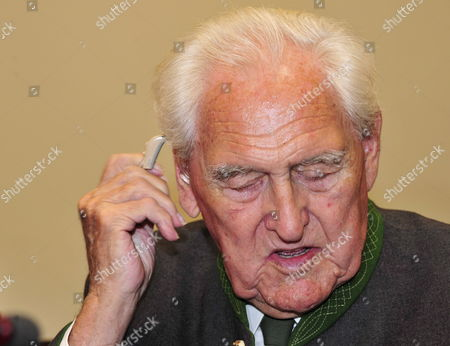 Stock Image of Defendant Josef Scheungraber is in the Dock As His Verdict is Scheduled to Be Announced in Munich Germany 11 August 2009 Scheungraber 90-years-old and Former Company Commander of Mountain Infrantry Battalion 818 During Wwii is Charged with Multiple Murder in June 1944 He Allegedly Commanded to Kill 14 Italian Civilians in Italy's Tuscany Region in a Retaliatory Strike For Two German Soldiers Killed During a Partisan Ambush the Verdict on Scheungraber Expected For 11 August is Postponed the Court Proceeded to Take Evidence Again Germany Munich