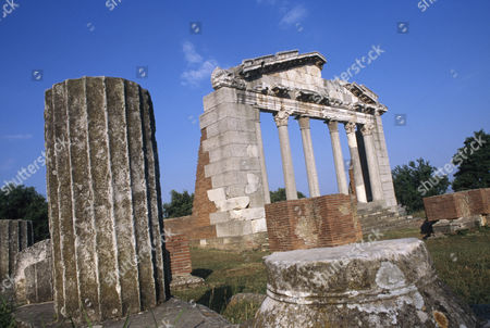 Stock Picture of Roman ruins and antiquities at Appolonia / Appollonia, Albania