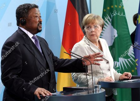 German Chancellor Angela Merkel (r) and the Chairman of the Commission of the African Union Jean Ping Attend a Press Conference at the Chancellery in Berlin Germany 05 July 2011 Ping was Earlier Welcomed with Full Military Honors Germany Berlin