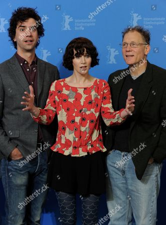 Us Actor Hamish Linklater (l-r) Us Director Miranda July and Us Actor David Warshofsky Pose During the Photocall For the Film 'The Future' During the 61st Berlin International Film Festival in Berlin Germany 15 February 2011 the Film is Shown in the Competition of the International Film Festival the 61st Berlinale Takes Place From 10 to 20 February 2011 Germany Berlin