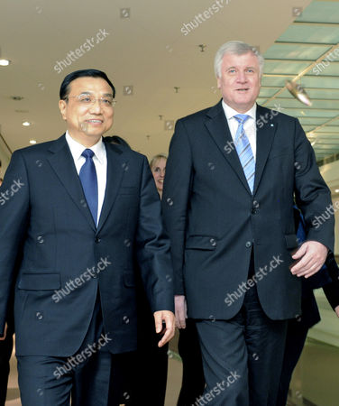The Bavarian Prime Minister Horst Seehofer (r) Receives the Chinese Vice Prime Minister Li Keqiang (l) in Munich Germany 08 January 2011 Reports State That Vice Premier Li Kequiang is on a Visit to Europe Which Includes Spain Germany and Britain Germany Munich