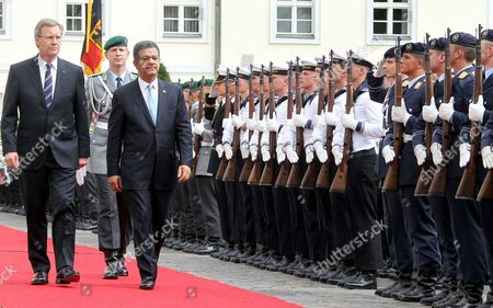 German President Christian Wulff (l)áwelcomes His Dominican Counterpart Leonel Fernandez Reyna (c)áwith Military Honours to Bellevue Palace in Berlin Germany 05 July 2010 Mr Fernandez Reyna is on a Two-day Visit to Germany Germany Berlin