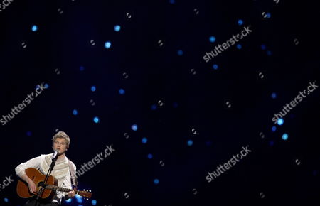Paradise Oskar Representing Finland Performs During the First Dress Rehearsal For the First Semi-final of the Eurovision Song Contest in Duesseldorf Germany 09 May 2011 the Final of the 56th Eurovision Song Contest Takes Place on 14 May 2011 Germany Duesseldorf