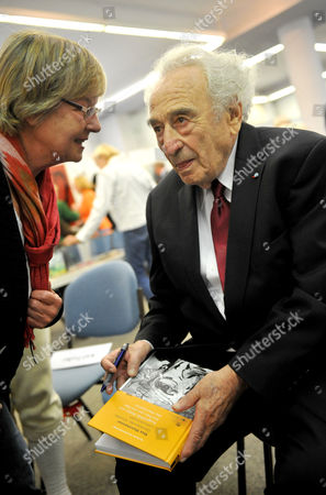 Author Painter and Holocaust Survivor Max Mannheimer Talks to a Visitor During the Opening of His Exhibition in Munich Germany 06 September 2012 Mannheimer Has Been Painting For Decades Germany Munich