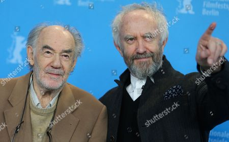 Dutch Director George Sluizer (l) and British Actor Jonathan Pryce Pose at the Photocall For 'Dark Blood' During the 63rd Annual Berlin International Film Festival in Berlin Germany 14 February 2013 the Movie is Presented in Competition out of Competition at the Berlinale Germany Berlin
