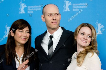 Us Actresses Fallon Goodson (r) and Catherine Keener Pose with Us Director John Carter at a Photocall For 'Maladies' During the 63rd Annual Berlin International Film Festival Aka Berlinale in Berlin Germany 10 February 2013 the Movie is Presented in the Section Panorama Special at the Berlinale Germany Berlin