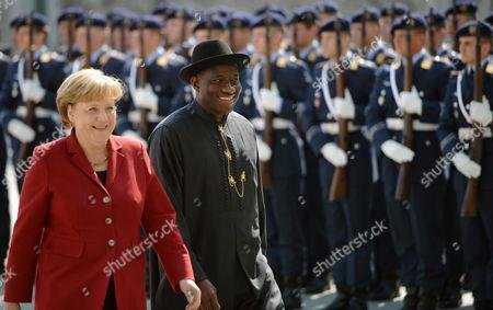 German Chancellor Angela Merkel (l) Receives Nigerian President Goodluck Ebele Jonathan at the Chancellery in Berlin Germany 19 April 2012 Germany Berlin