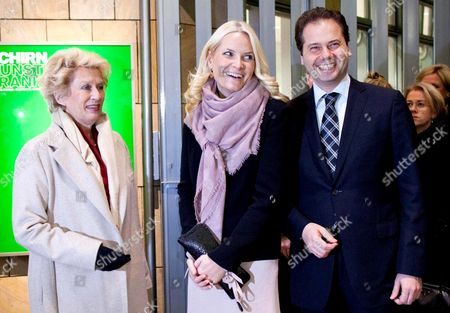 Mette-marit Crown Princess of Norway (c) Schirn Director Max Hollein (r) and Frankfurt Mayor Petra Roth (l) Attend the Opening of the Edvard Munch Exhibition at the Kunsthalle Schirn in Frankfurt Am Main Germany 08 February 2012 the Exhibition 'Edvard Munch the Modern Eye' Opens to the Public From 09 February Until 13 May Germany Frankfurt Am Main