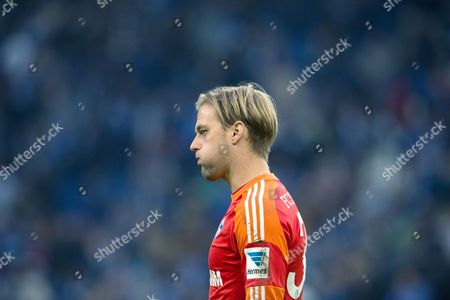 Schalke's Goal Keeper Timo Hildebrand Reacts During the Bundesliga Soccer Match Between Fcáschalke 04 and Sv Werder Bremen in the Veltins Arena in Gelsenkirchen Germany 09 November 2013 (attention: Due to the Accreditation Guidelines the Dfl Only Permits the Publication and Utilisation of Up to 15 Pictures Per Match on the Internet and in Online Media During the Match ) Germany Gelsenkirchen