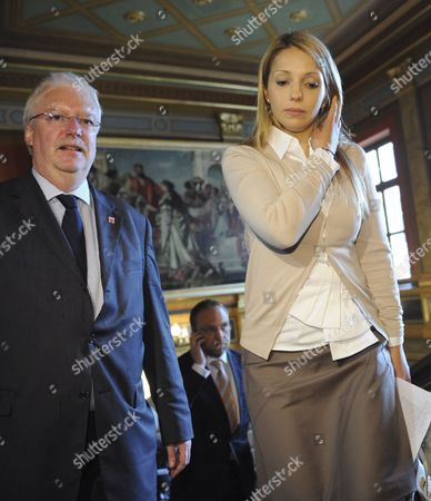 Minister of Justice of Hesse Joerg-uwe Hahn (l) Accompanies Yevhenia Tymoshenko (r) Daughter of Detained Former Ukrainian Prime Minister Yulia Tymoshenko in Wiesbaden Germany 13 June 2012 Federal and State Ministers of Justice Will Deal with the Fate of Yulia Tymoshenko at Their Spring Conference Amongst Other Things a Resolution Demanding Compliance with the European Convention on Human Rights is Supposed to Be Adopted by the Ministers Which Will Demand Fair Trials and Prison Conditions Throughout Europe Germany Wiesbaden