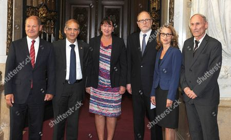 Hamburg's First Mayor Olaf Scholz (l-r) Ambassador of Israel to Germany Yakov Hadas Handelsman Chairwoman of the Association Friends of Yad Vashem in Germany Hildegard Mueller Chairman of the Hamburg Institute For Social Research Jan Philipp Reemtsma President of the Hamburg Citizenry Carola Veit and Arik Rav-on of the Memorial Yad Vashem Arrive For a Reception of Senat and Citizenry Celebrating the 60th Anniversary of Yad Vashem and 50 Years of the Honorific Righteous Among the Nations in Hamburg Germany 07 August 2013 Germany Hamburg