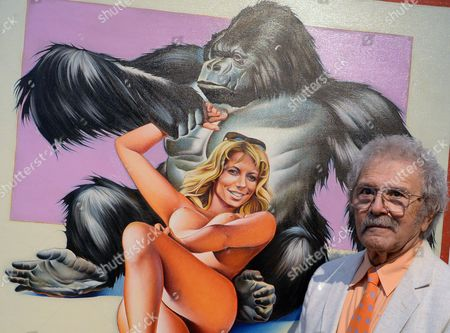 Us Pop Art Artist Mel Ramos (l) Smiles Next to His Work 'Gorilla 2' at the Fine Arts Museum (museum Der Bildenden Kuenste) in Leipzig Germany 12 October 2013 the Exhibition 'Beauty and the Beast - Richard Mueller & Mel Ramos & Wolfgang Joop' is on Display From 13 October 2013 to 12 January 2014 Germany Leipzig