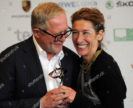 Austrian Actors Harald Krassnitzer (l) and Adele Neuhauser (r) Pose with the Award in the 'Fiction' Category For the Tatort Crime Series Episode 'Angezaehlt' (rbb/orf) Before the Award Ceremony For the Grimme Awards (grimme-preis) 2014 in Marl Germany 04 April 2014 Germany Cologne