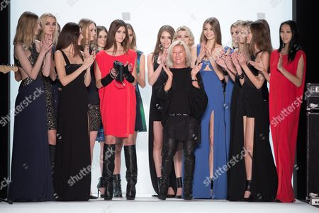 Elisabeth Schwaiger (c) Fashion Designer For Laurel Poses with Models After Her Show at the Mercedes-benz Fashion Week in Berlin ágermany 16ájanuary 2014 Fall-winter 2014/15 Collections Are Presented at the Event From 14 to 17 January Germany Berlin
