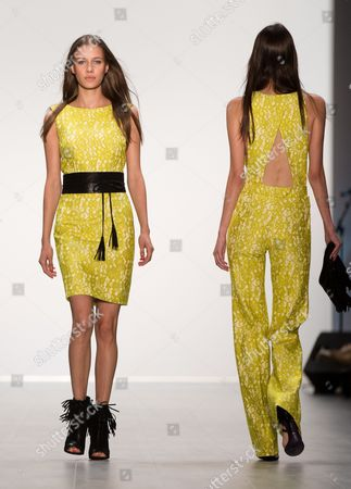 Models Present Creations by German Designer Elisabeth Schwaiger For the Fashion House Laurel During the Mercedes Benz Fashion Week in Berlin Germany 10ájuly 2014 áthe Fashion Show Features the Spring/summer Collections 2015 and Will Run From 08 to 11 July Germany Berlin
