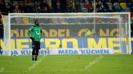 Hannover's Didier Ya Konan Stands in Front of an Empty Goal During an Interruption of the Bundesliga Soccer Match Between Fortuna Duesseldorf Vs Hannover 96 at Esprit Arena in Duesseldorf Germany 15 December 2012 (attention: Embargo Conditions! the Dfl Permits the Further Utilisation of Up to 15 Pictures Only (no Sequntial Pictures Or Video-similar Series of Pictures Allowed) Via the Internet and Online Media During the Match (including Halftime) Taken From Inside the Stadium And/or Prior to the Start of the Match the Dfl Permits the Unrestricted Transmission of Digitised Recordings During the Match Exclusively For Internal Editorial Processing Only (e G Via Picture Databases) Germany Duesseldorf