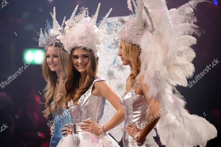 The Three Finalists Ivana Teklic Stefanie Giesinger and Jolina Fust (l-r) Pose on Stage During the Finale of the German Television Casting Show of 2014 'Germany's Next Topmodel' in Cologne Germany 08 May 2014 Germany Cologne