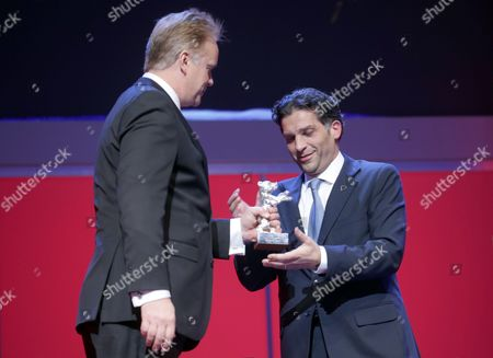 Bosnian Director Danis Tanovic (r) Receives the Silver Bear Jury Grand Prix For His Movie 'An Episode in the Life of an Iron Picker' (epizoda U Zivotu Beraca Zeljeza) From Jury Member Us Actor Tim Robbins (l) During the Closing Ceremony of the 63rd Annual Berlin International Film Festival in Berlin Germany 16 February 2013 the Berlinale Runs From 07 to 17 February Germany Berlin
