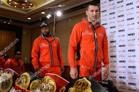 Ukrainian Heavyweight Boxing World Champion Wladimir Klitschko (r) and His Coach Johnathon Banks (l) Arrive For a Press Conference in Duesseldorf Germany 22 April 2014 Wbo Ibf Wba and Ibo Heavyweight Champion Klitschko Will Be Challenged by Australia's Alex Leapai on 26 April 2014 in Oberhausen Germany Duesseldorf