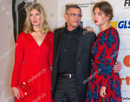 Belgian Actress Mona Walravens (l) and French Actress Adele Exarchopoulos (r) Flank French Director Abdellatif Kechiche (c) While Posing For the Photographers As They Arrive on the Red Carpet For the Opening of the 26th European Film Awards Ceremony in Berlin Germany 07 December 2013 Evening Germany Berlin
