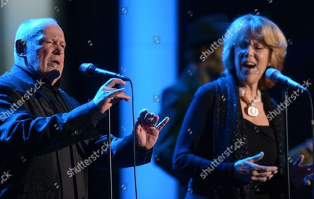 British Singer Joe Cocker (l) Performs with Us Singer Jennifer Warnes After Receiving the Trophy in the Category 'Lifetime Achievement Award Music' During the 48th Golden Camera Award Ceremony in Berlin Germany 02 February 2013 the Award Honours Outstanding Achievements in Television Film and Entertainment Germany Berlin