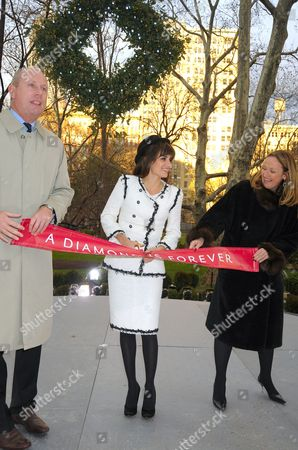 Editorial image of Official opening of 'Unbreakable Kiss' Mistletoe Installation sponsored by A Diamond is Forever, Madison Square Park, New York, America - 01 Dec 2008