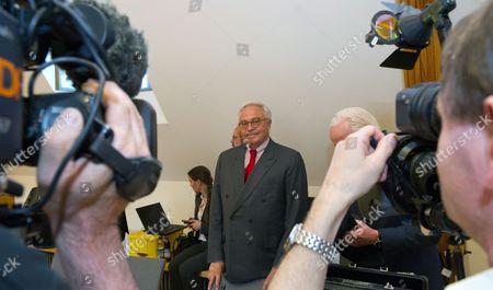 Former Deutsche Bank Director Rolf Breuer Attends the Civil Case Leo Kirch V Deutsche Bank in Munich Germany 11 May 2012 Germany Munich