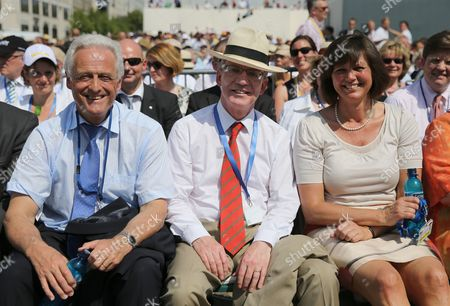 German Transport Minister Peter Ramsauer (l) German Defence Minister Thomas De Maiziere (c) and German Agriculture Minister Ilse Aigner (r) Wait For the Us President Barack Obama's Speech Front of Brandenburg Gate at Pariser Platz in Berlin Germany 19 June 2013 President Obama Arrived with His Family in Berlin on 18 June For His First Visit to the German Capital As President Obama is Set to Give a Speech to an Invitation-only Crowd in the City's Central Pariser Platz in Front of the Brandenburg Gate Germany Berlin