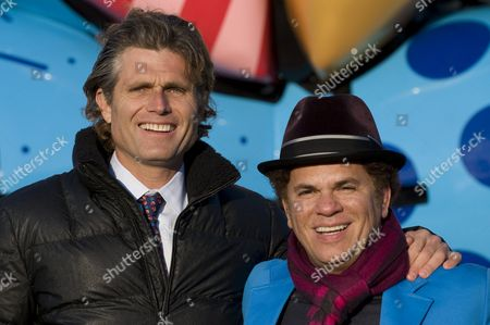 Brazilian Artist Romero Britto (r) Poses with Anthony Kennedy Shriver (l) Nephew of Us Politicians John F Robert and Ted Kennedy in Front of the Best Buddies Berlin Bear in Berlin Germany 11 November 2011 the Berlin Bear was Made by Britto and is a Gift From the Kennedys to Berlin Germany Berlin