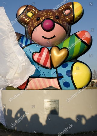 The Best Buddies Berlin Bear is Unveiled in Berlin Germany 11 November 2011 the Berlin Bear was Made by Brazilian Artist Romero Britto and is a Gift of the Kennedys to Berlin Anthony Kennedy Shriver Nephew of Us Politicians John F Robert and Ted Kennedy Attended the Unveiling Germany Berlin