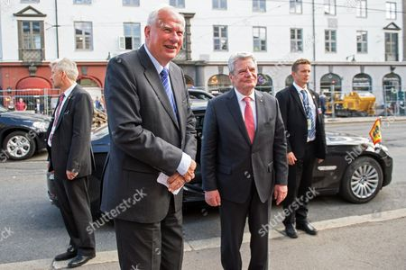 German President Joachim Gauck (c-r) Says Good Bye to the Director of the Nobel Institute Geir Lundestad (c-l) After Delivering a Speech Titled 'Human Rights - Peace - Security' at Nobel Institute in Oslo Norway 11 June 2014 German Head of State Gauck is on a Visit Four-days Visit to Norway Norway Oslo