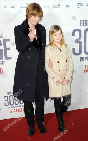 Us Director Sherry Hormann (l) and British Actress Amelia Pidgeon (r) Arrive For the Premiere of '3096 Days' (3096 Tage) at the Mathaeser Filmpalast in Munich Germany 26 February 2013 the Movie Based on the Life of Austrian Natascha Kampusch Opens in German Theaters on 28 February Kampusch was Kidnapped at the Age of Ten and Held in a Cellar For Over Eight Years Germany Munich