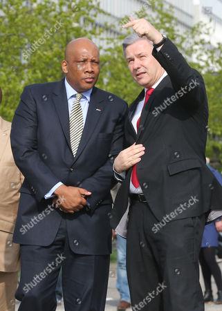Mayor of Berlin Klaus Wowereit (r) Receives King Letsie Iii of Lesotho in Front of Brandenburg Gate in Berlin Germany 29 April 2013 King Letsie Iii is on an Official Visit to Germany Germany Berlin