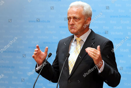 Acting German Transport Minister Peter Ramsauer Delivers a Statement Ahead of the Negotiations of the Christian Democratic Union Party (cdu) and the Social Democratic Party of Germany (spd) Working Group on Transport Policy in Berlin Germany 29 October 2013 Germany Berlin