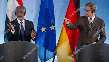 German Foreign Minister Guido Westerwelle (r) Points at a Journalist During a Joint News Conference with His Sudanese Counterpart Ali Karti (l) at the Foreign Ministry in Berlin Germany 11 June 2012 Both Politicians Earlier Discussed Topics Such As the Peace Process Between Sudan and South Sudan As Well As the Situation in Syria Germany Berlin